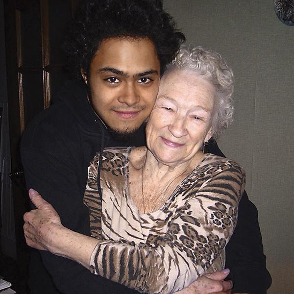 Энтони тоже обожал бабушку