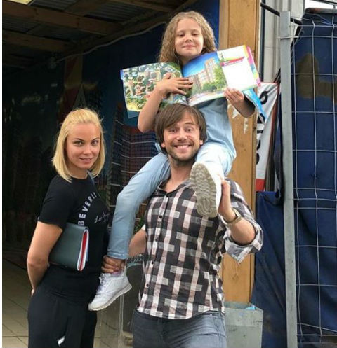 Татьяна с дочерью Машей и экс-супругом Иваном Жидковым
