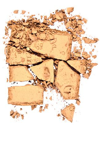Компактная пудра Luxe, «Чистый шелк», 500 руб.