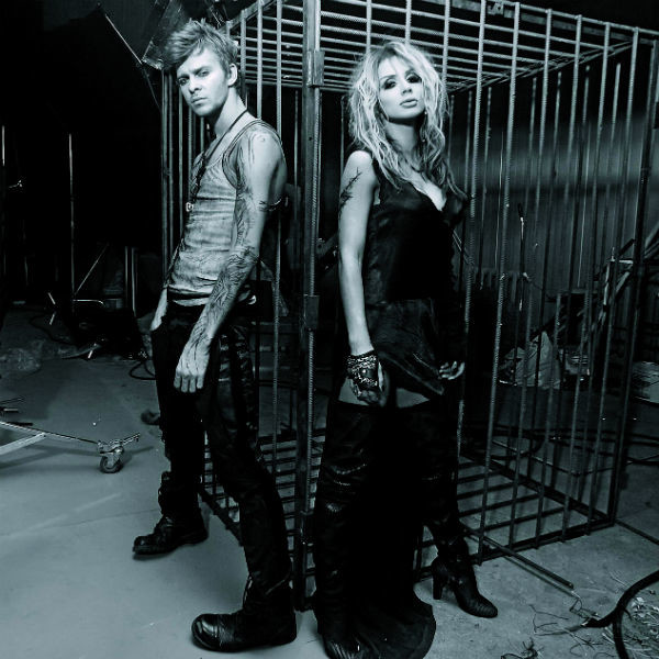 После записи песни «Сердце бьется» со Светланой Лободой в 2010 году музыкантам долгое время приписывали роман