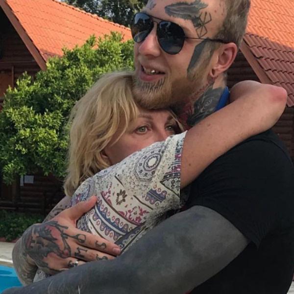 Елена Яковлева обожает своего сына