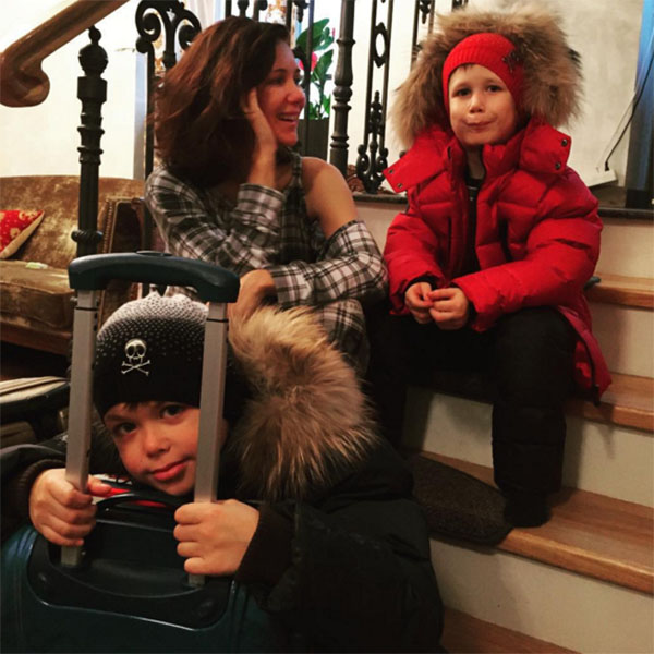 Заботливая мама Екатерина Климова позаботилась о том, чтобы путешествие Корнея и Матвея было комфортным