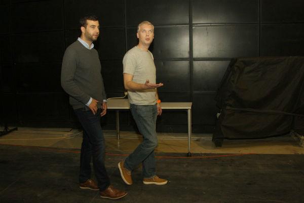 В перерывах между дублями актеры осматривали павильоны «Объединенных русских студиях»