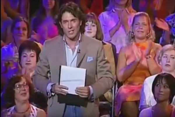 Тема первого выпуска «Пусть говорят» была обозначена как «Стриптиз по-русски»