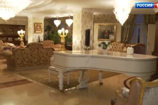 Отец Миланы Тюльпановой часто играл на рояле