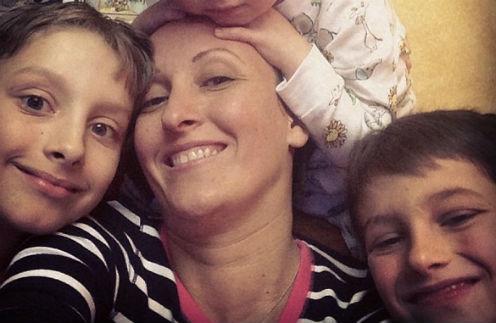 Амина Зарипова с сыновьями Арсением и Афанасием