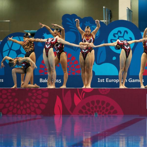 Российская  сборная  посинхронному  плаванию вне  конкуренции