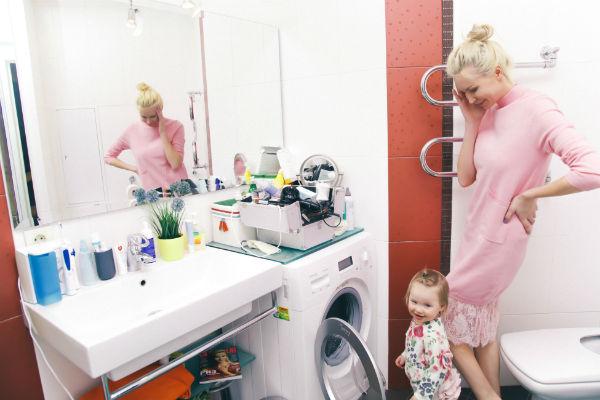 Ванная комната в квартире, где живет звезда реалити-шоу, довольно просторная