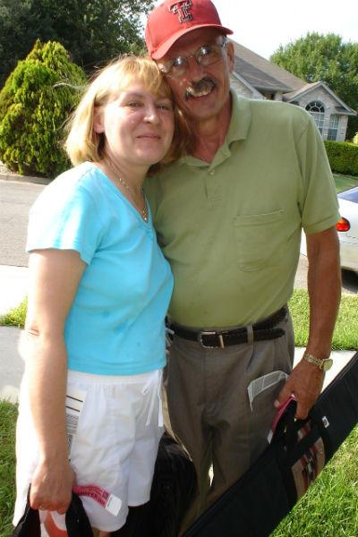 Раньше Джим дарил Елене соболиные шубы и кольца с бриллиантами, сейчас она уверена: подарки – это не главное