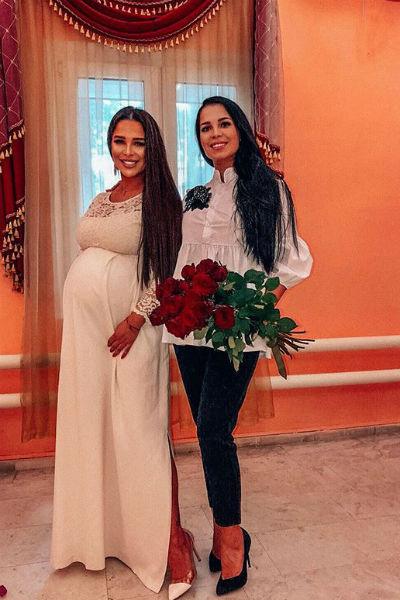 Еще недавно Юлия поздравляла сестру со свадьбой