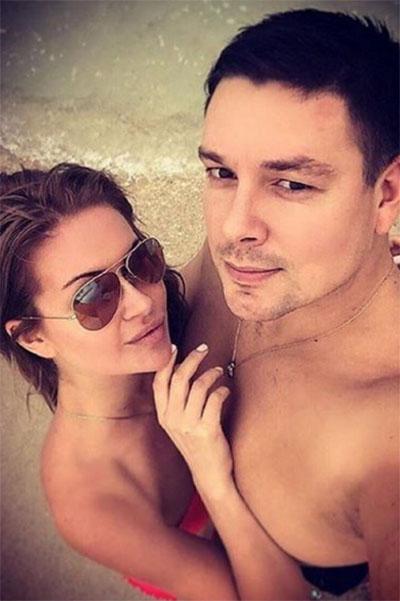 Андрей и Марина хотели пожениться 23 декабря, но теперь их свадьба под вопросом