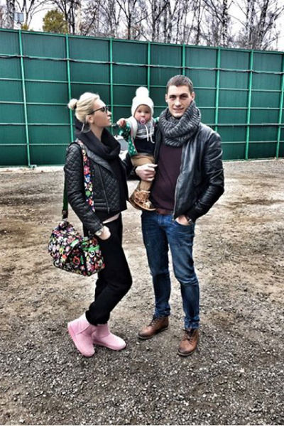 Элина Камирен и Александр Задойнов с дочкой Сашенькой