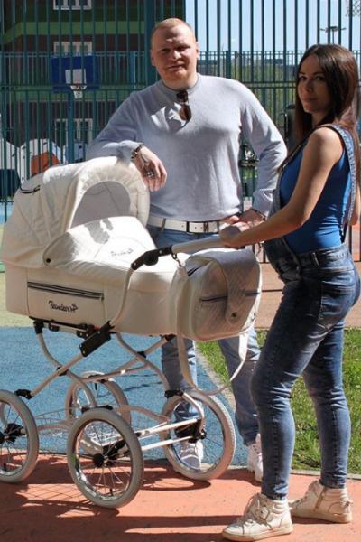 Сергей и его жена станут родителями в августе