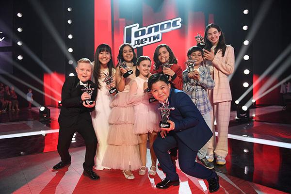 Всем маленьким артистам дали награды