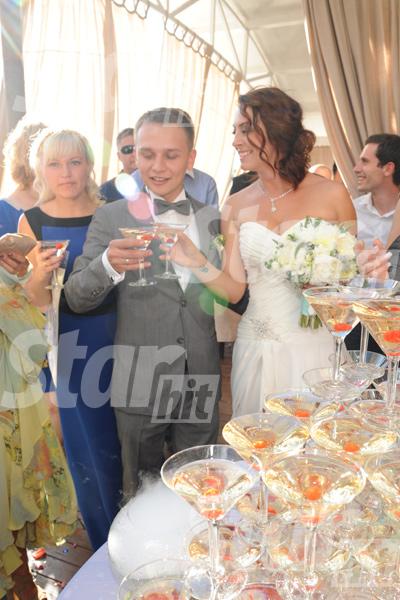 Первый тост - за жениха и невесту