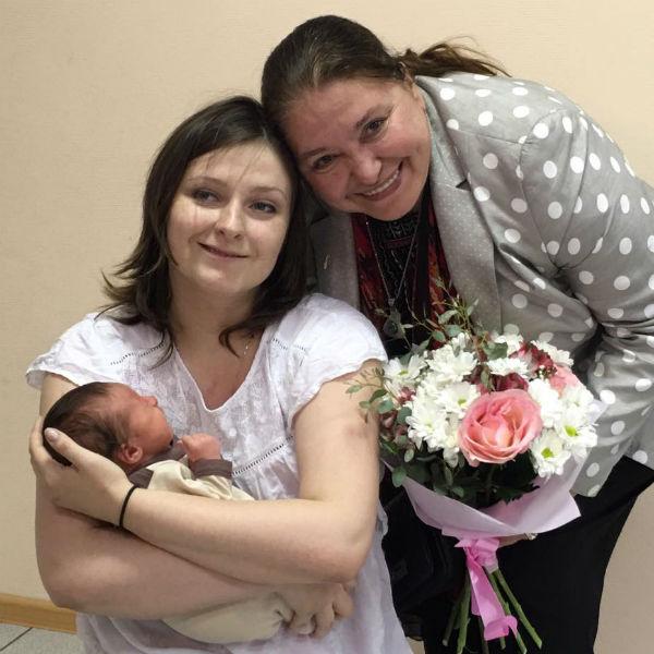 Племянница режиссера стала мамой во второй раз