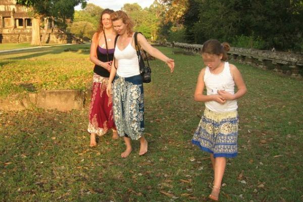 Алайя называла себя, свою подругу и ее дочь тремя богинями Агхора — темной стороны Бога