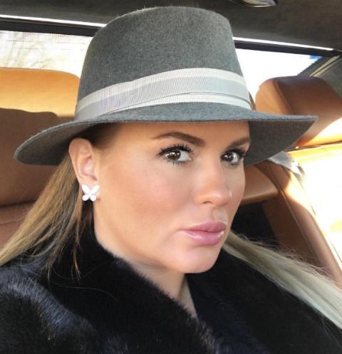 Анна Семенович призналась, что столкнулась со страшными последствиями операции