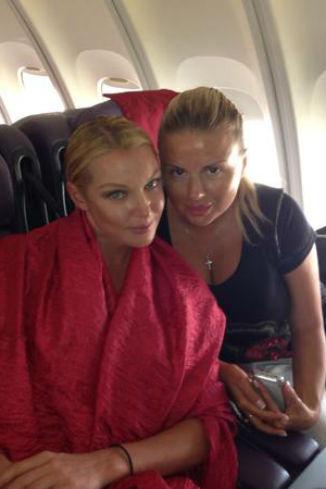 В самолете Настя встретила Анну Семенович