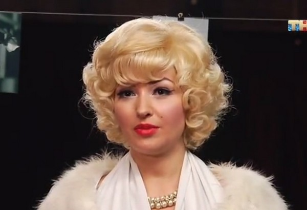 На испытании присутствовала девушка, выступающая в качестве двойника Мэрилин Монро