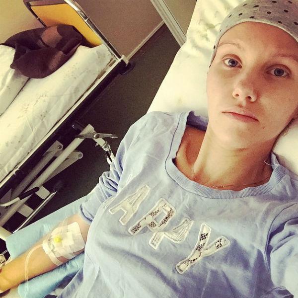 Когда в «Инстаграме» появляются фото из больницы, друзья тут же откликаются: «Еще немного – и ты победитель!»
