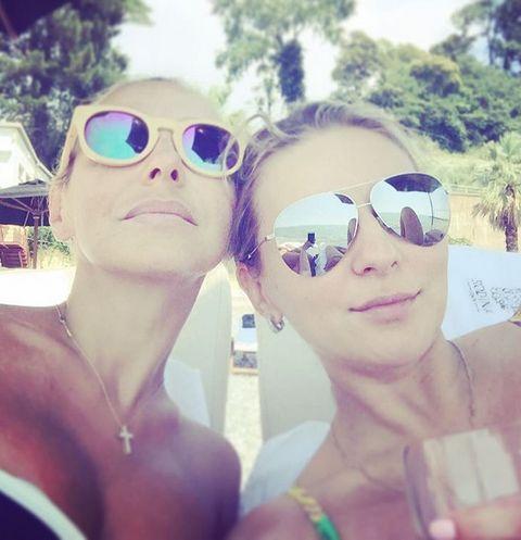 Татьяна Навка с подругой Юлией