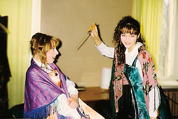 Актриса участвовала во всех школьных спектаклях