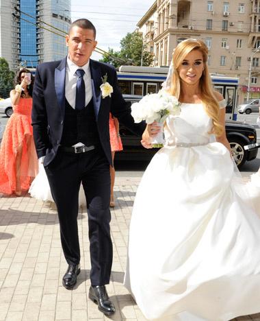 Свадьба Ксении Бородиной: онлайн-репортаж, фото, видео