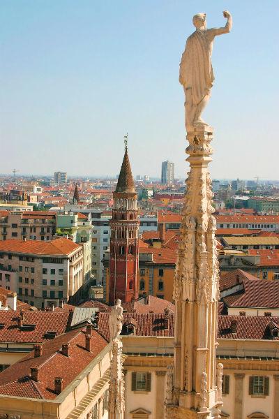 Милан знаменит не  только модой, но и  архитектурными и  художественными  шедеврами