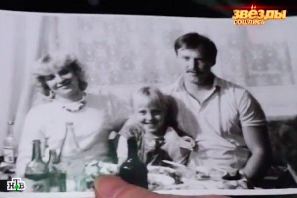 Родители Малиновской развелись, когда будущая звезда была маленькой