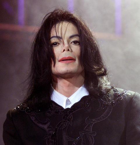Майкла Джексона подозревают во влюбленности в Эмму Уотсон