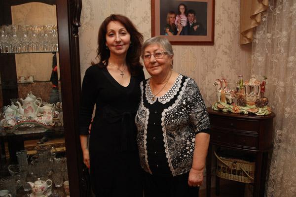 Мама и сестра Григория Лепса теперь живут по соседству