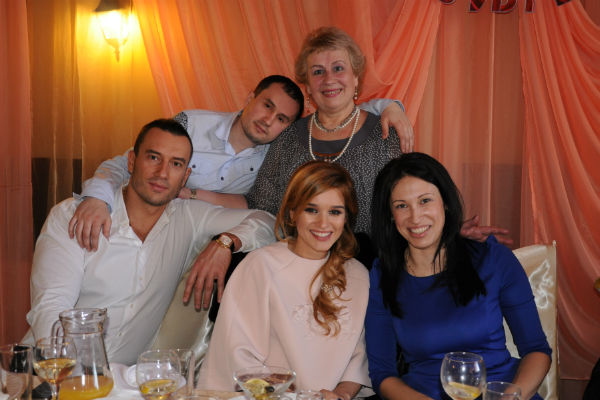 Сын с другом и мама 6 фотография
