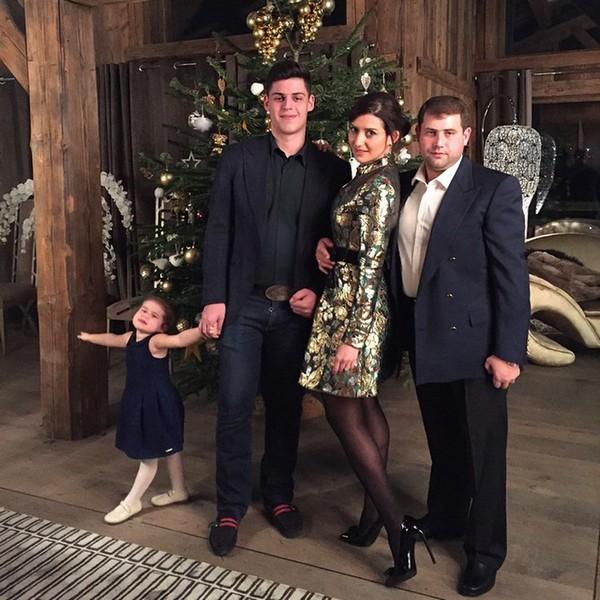 Семья певицы - старший сын Миша, дочь Маргарита и супруг Илан