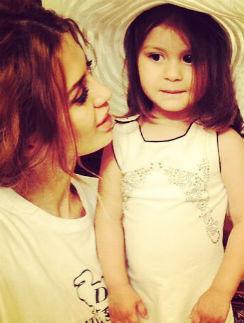 Виктория Боня с дочерью Анджелиной