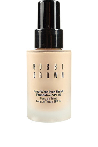 Bobbi Brown Тональный крем Long-Wear Even Finish Foundation SPF 15, 2290 руб.