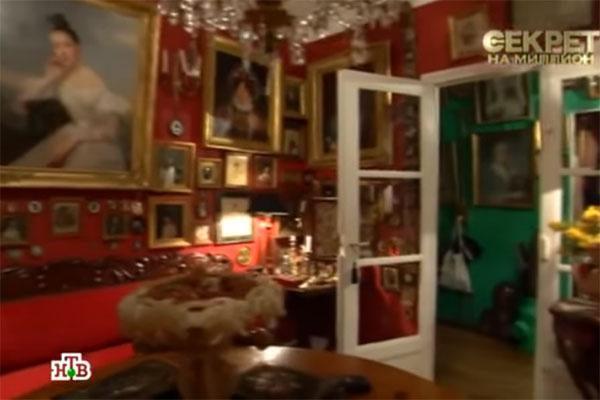 Трехкомнатная квартира в Париже принадлежит мэрии. Васильев владеет ею на условиях пожизненной ренты