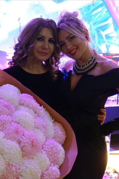 Ирина Агибалова и Сара Окс