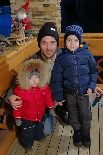 Ранее Кержаков уже лишил родительских прав бывшую жену, обвинив ее в зависимости