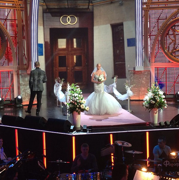 Но позднее стало ясно - свадьба - не более чем шоу