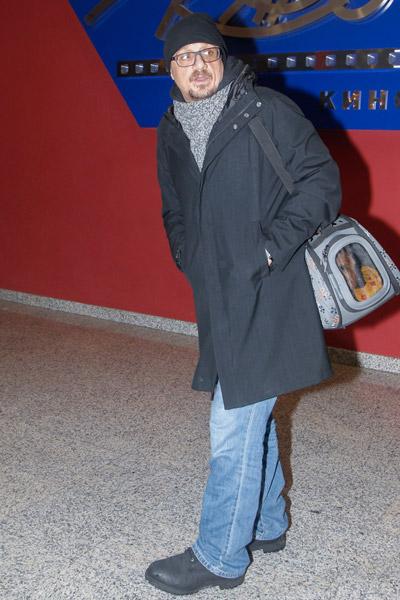 Макаров пришел на премьеру фильма в компании таксы