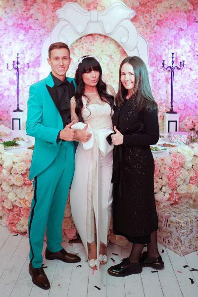 Жених и невеста вместе с Юлией Шакировой