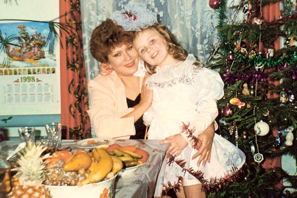 Маша даже не подозревала, что она приемная в семье мамы Татьяны и папы Алексея