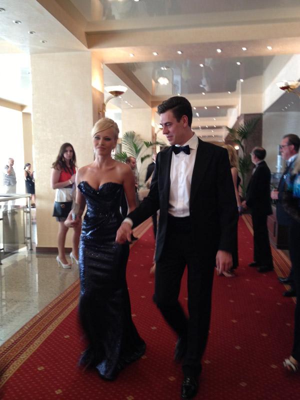 Татьяна и Дмитрий Дюжевы, как всегда, тщательно подобрали наряды