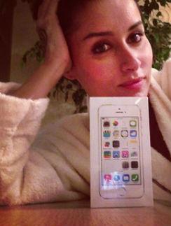 Тина Канделаки со новым iPhone 5S