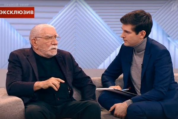В понедельник Армен Борисович подал на развод