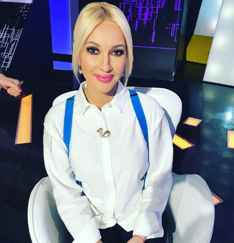 Лера Кудрявцева несмогла утаить округлившийся живот