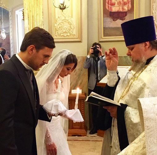 Первым фото с венчания поделилась Ольга Орлова