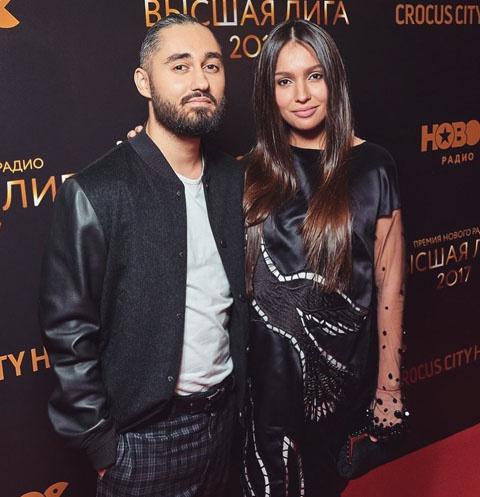 Рэпер Мот с женой Марией