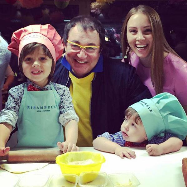 Дибровы создают впечатление очень счастливой семьи